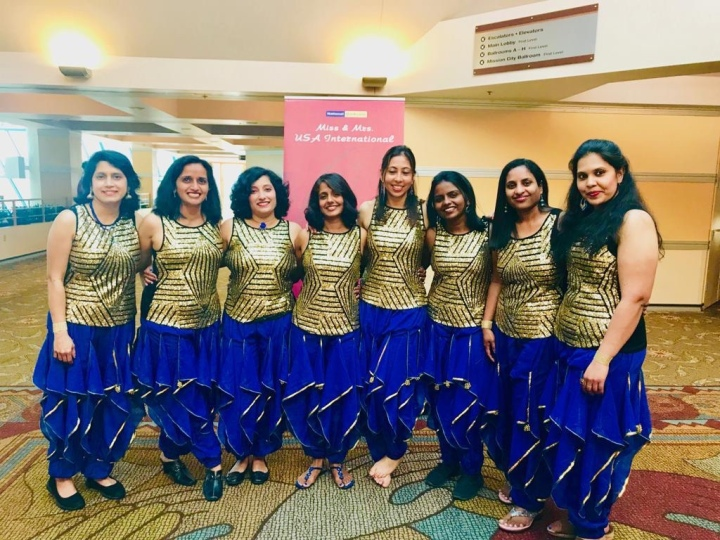 Bollywood Dance Costumes for Rent